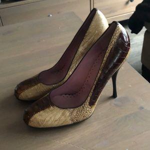 BCBGmazazria heels size 6